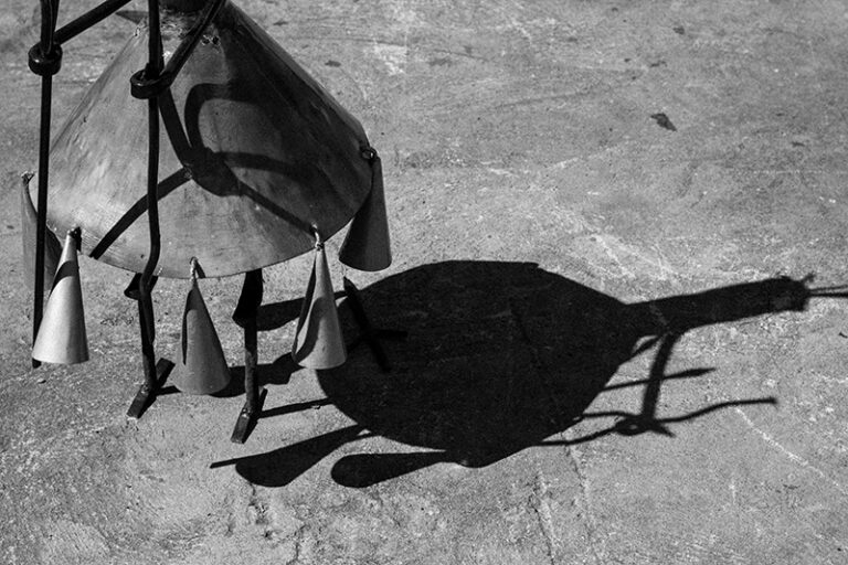 Sombra de Pombagira Sete Saias. Fotografado por Lucas Marques, 2013.