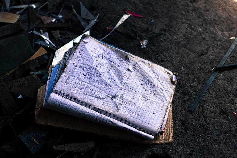 Desenhos no caderno de Zé Diabo. Fotografado por Lucas Marques, 2014.