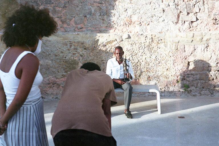 Making of da gravação do documentário Alágbedé. Fotografado por Alana Silveira, 2021.